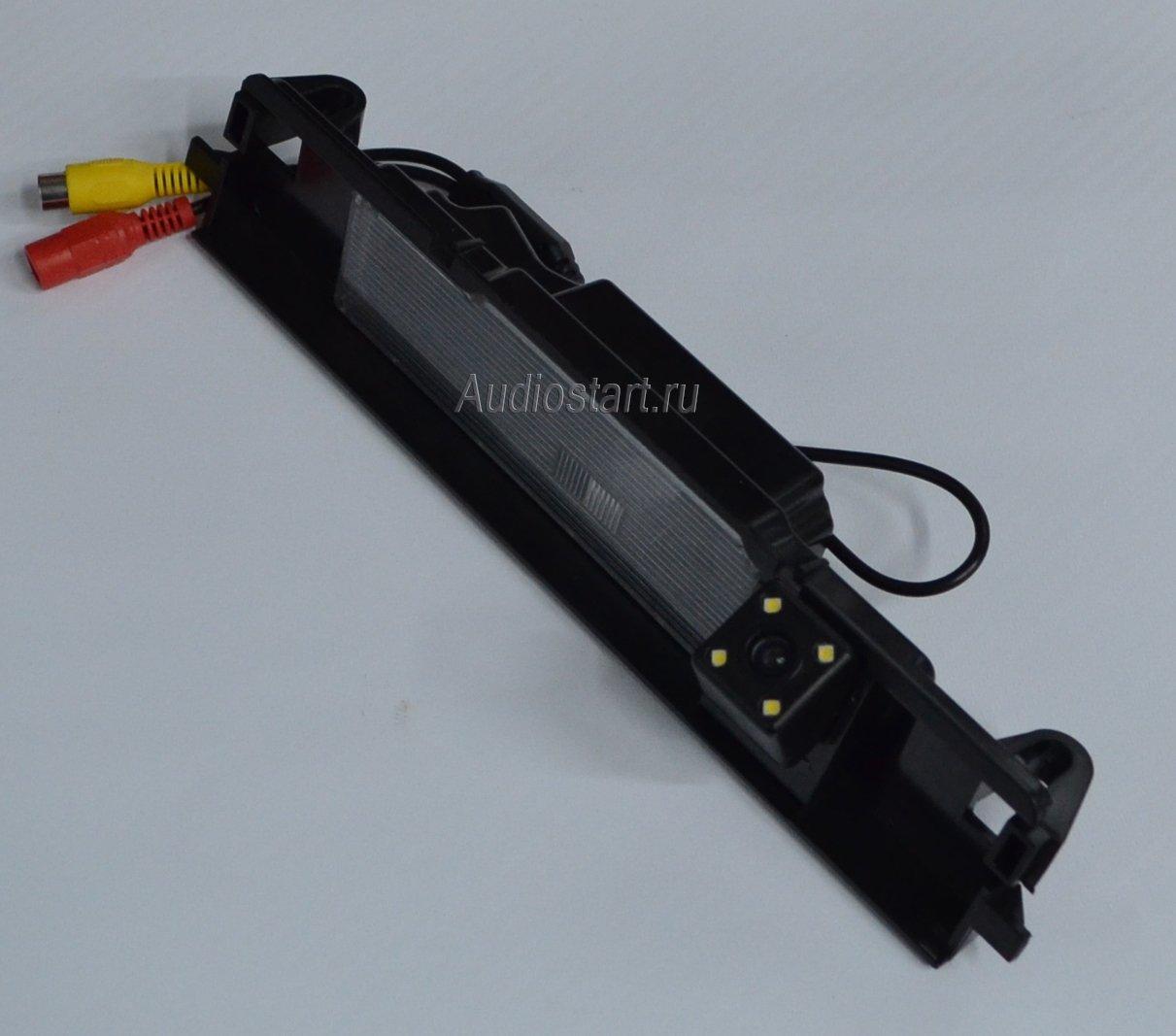 Камера заднего вида для Subaru Intro VDC-105 Subaru XV (2012 - 2013)